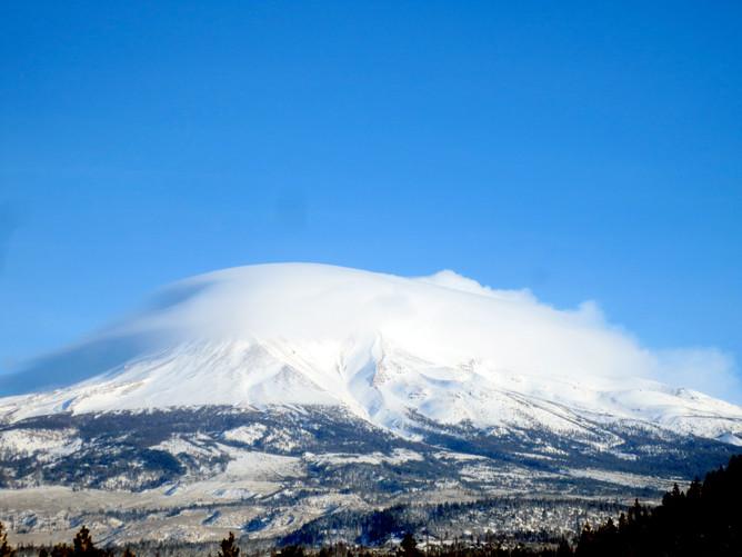 Pressure clound over Mt. Shasta