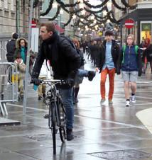 Pre-Xmas shopping street