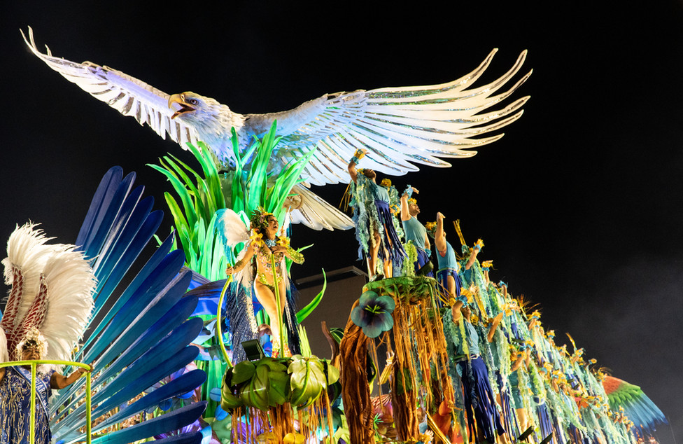 A white eagle on Portela's lead float