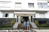 Entrance to Edifício Cruzeiro do Sul with doormen
