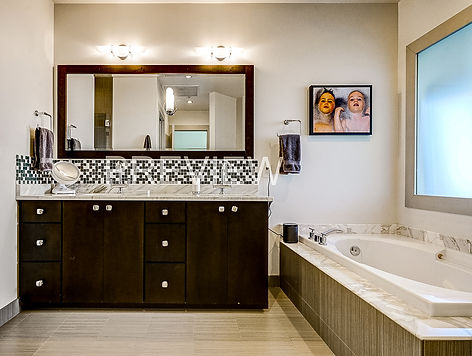 Master bedroom bathroom.jpg