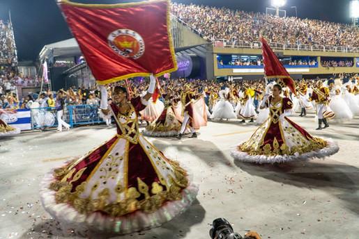 Three Porta Estandartes in Viradouro parade