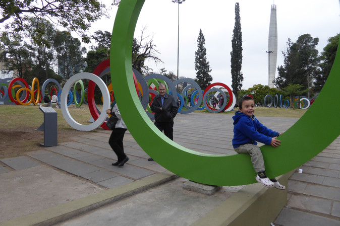 Children in Plaza del Bicentenario, Córdoba