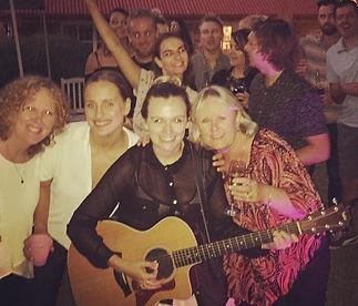Melanie Wason Music, Acoustic Wedding Singer, Melbourne Wedding Singer, Acoustic Party Entertainment, Guitarist & Singer