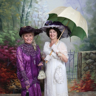 Dottie Bakkie with Linda Huerta in Edwardian fashion