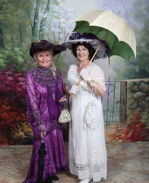 Dottie Bakkie with Linda Huerta in Edwardian fashion