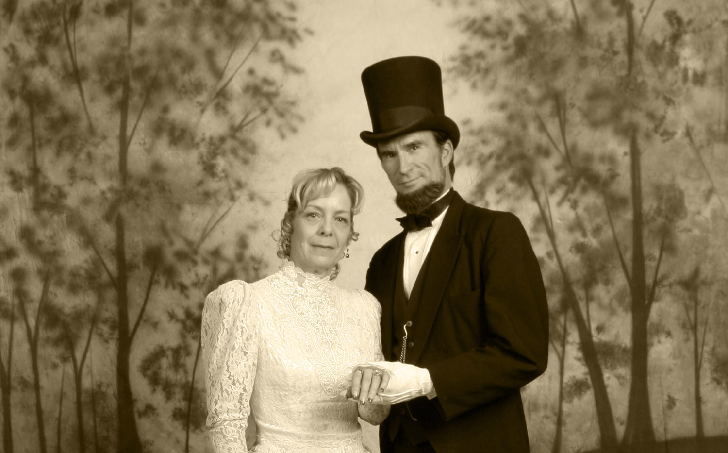 """""""President Abraham Lincoln"""" and his lovely wife """"Mary Todd Lincoln"""" aka John & Pam Voehl"""