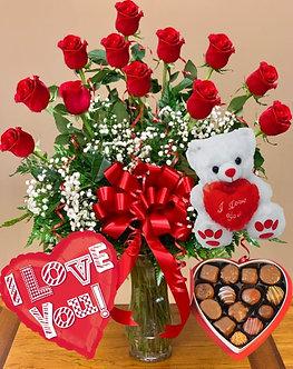 12 rosas con ilusión + bombones + oso + globo