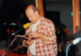 Digter Erik Trigger ved litteraturfestivalen i Medellin i 1998.