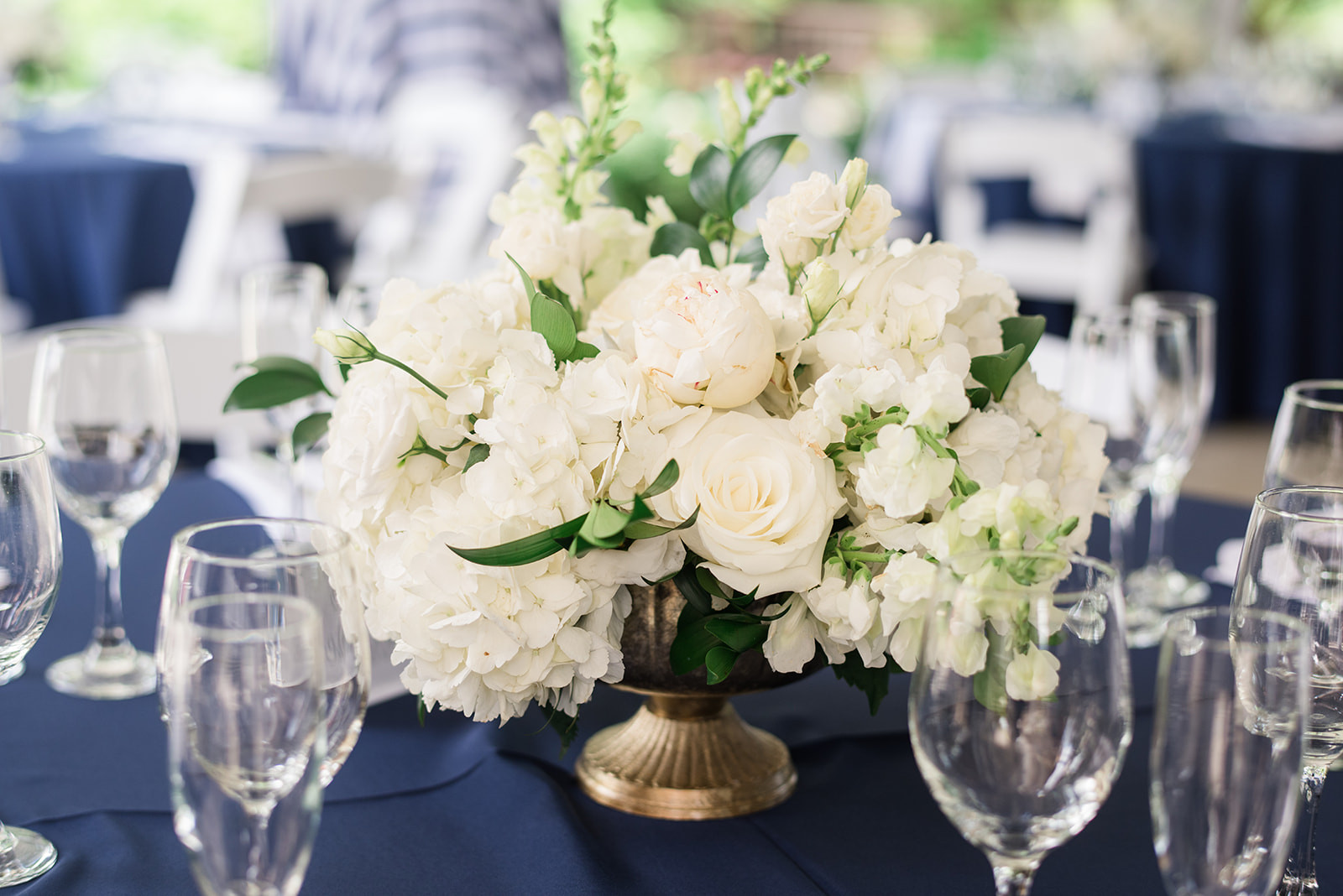 Samara-Alec-White-Centerpiece-Charming-G