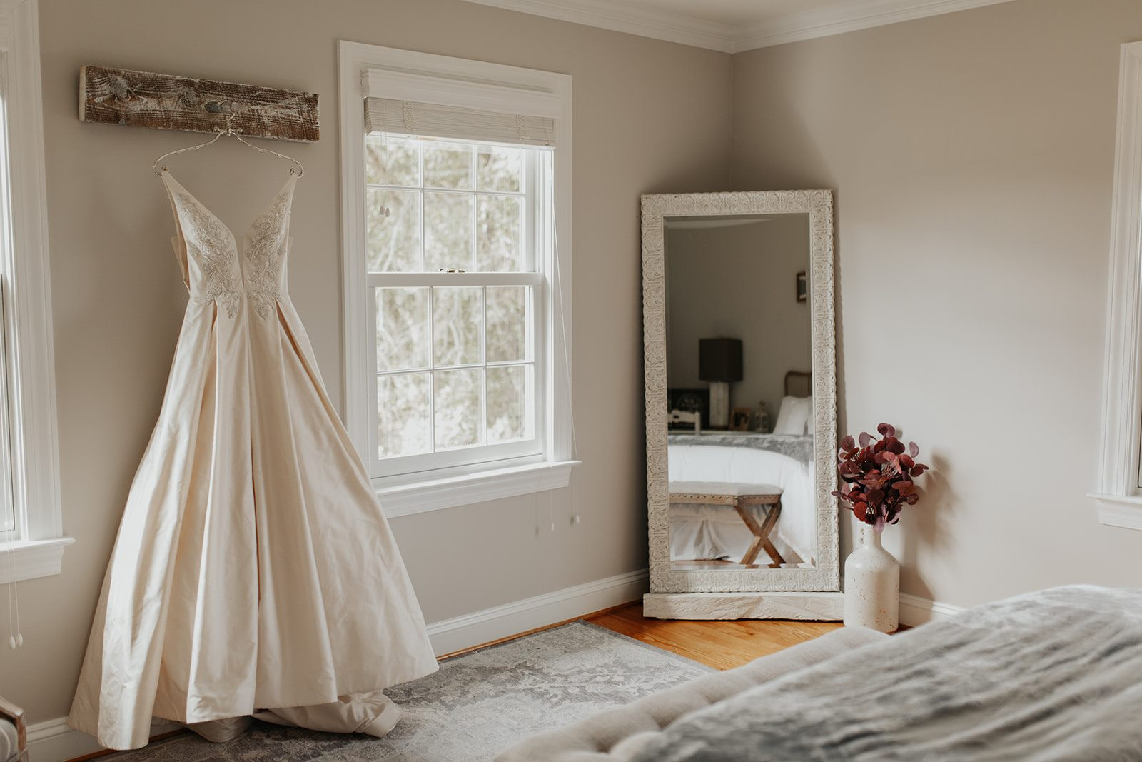 Laura-Michael-Bridal-Suite-Charming-Grac