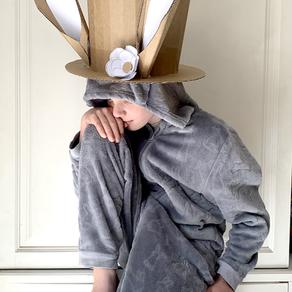 DIY CARDBOARD BUNNY TOP HAT