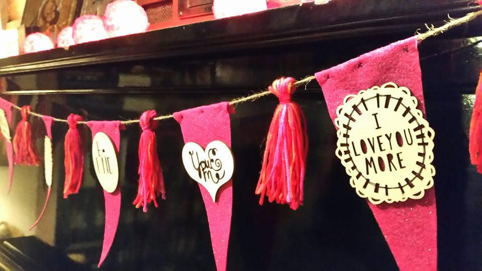 valentines garland.jpg