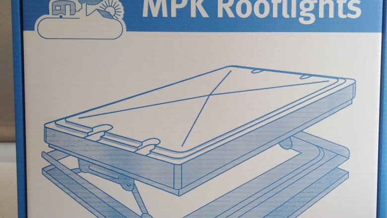 MPK 400mm x 400mm Complete Rooflight with Flyscreen