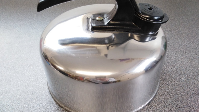 Whistling Kettle 2L for Gas Hob