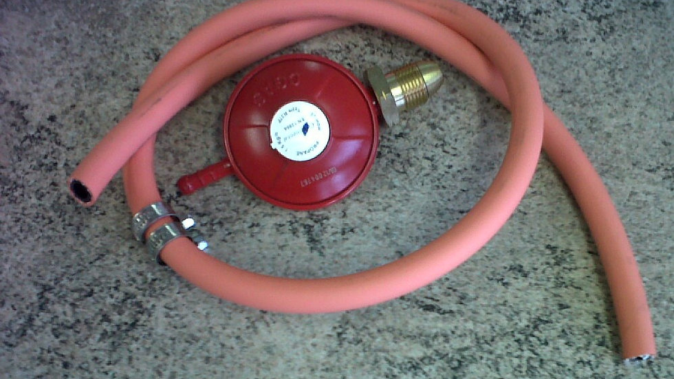 Propane Gas Regulator and Hose Kit