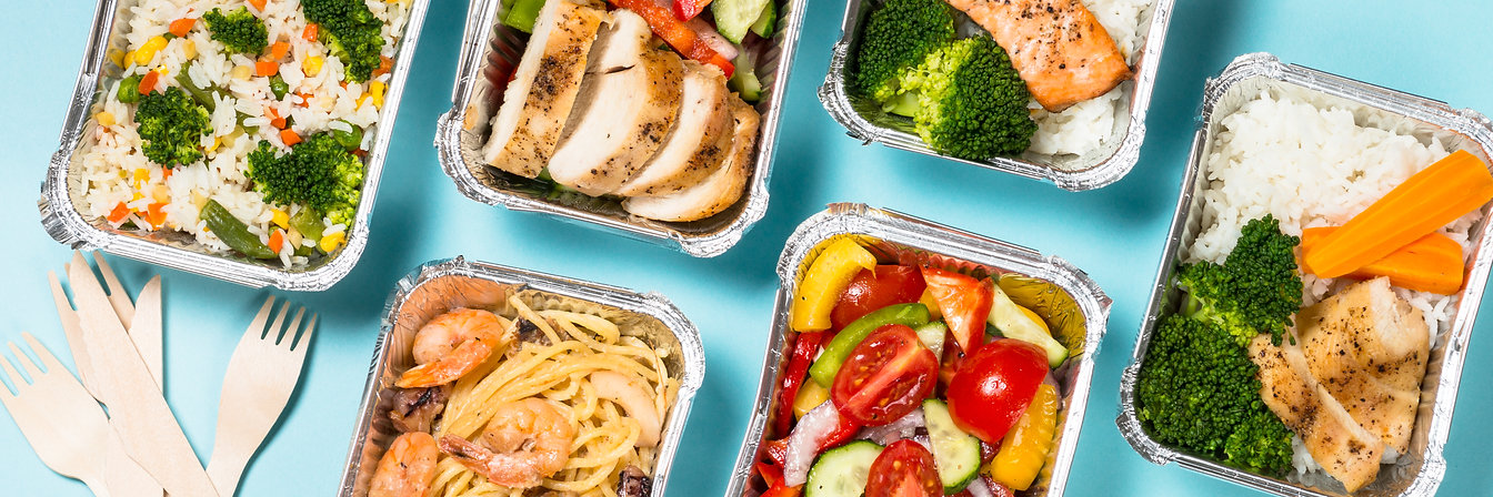 food-delivery-concept-healthy-lunch-in-b