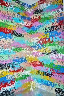 Угол  с Графити