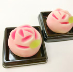 季節の上生菓子「ばら」