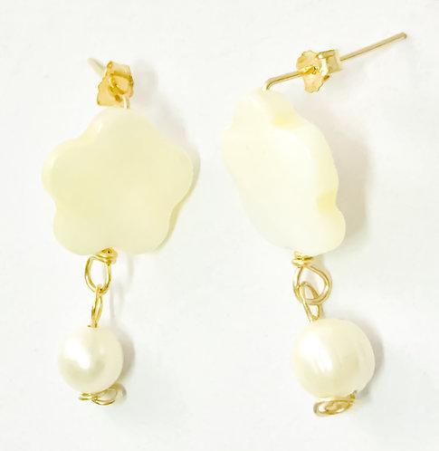 Double Pearls Earrings