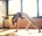 femme réalisant une chorégraphie de danse contemporaine au Studio VDanse au Pradet