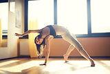 Танцовщица в студии