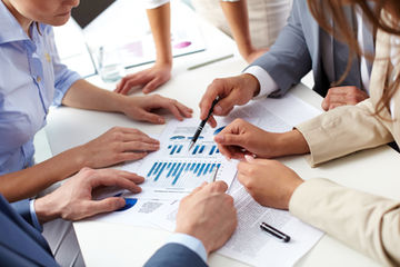Sim Logistics - Logistics consultant analyzing business data.