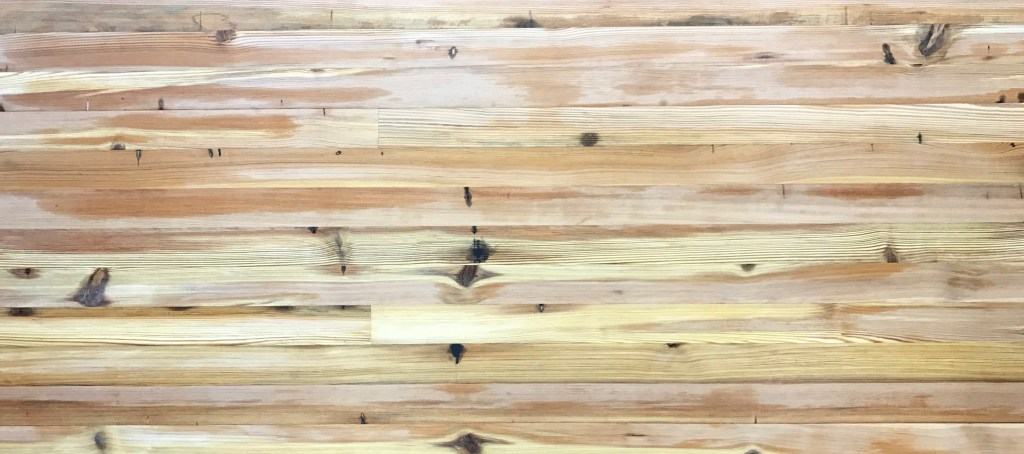 Teckton Antique Heart Pine Vertical Sawn