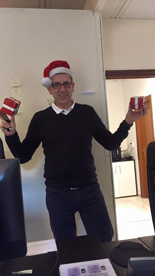 Atle deler ut Julebonus