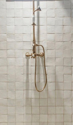 4x4 Casablanca Shower.jpg