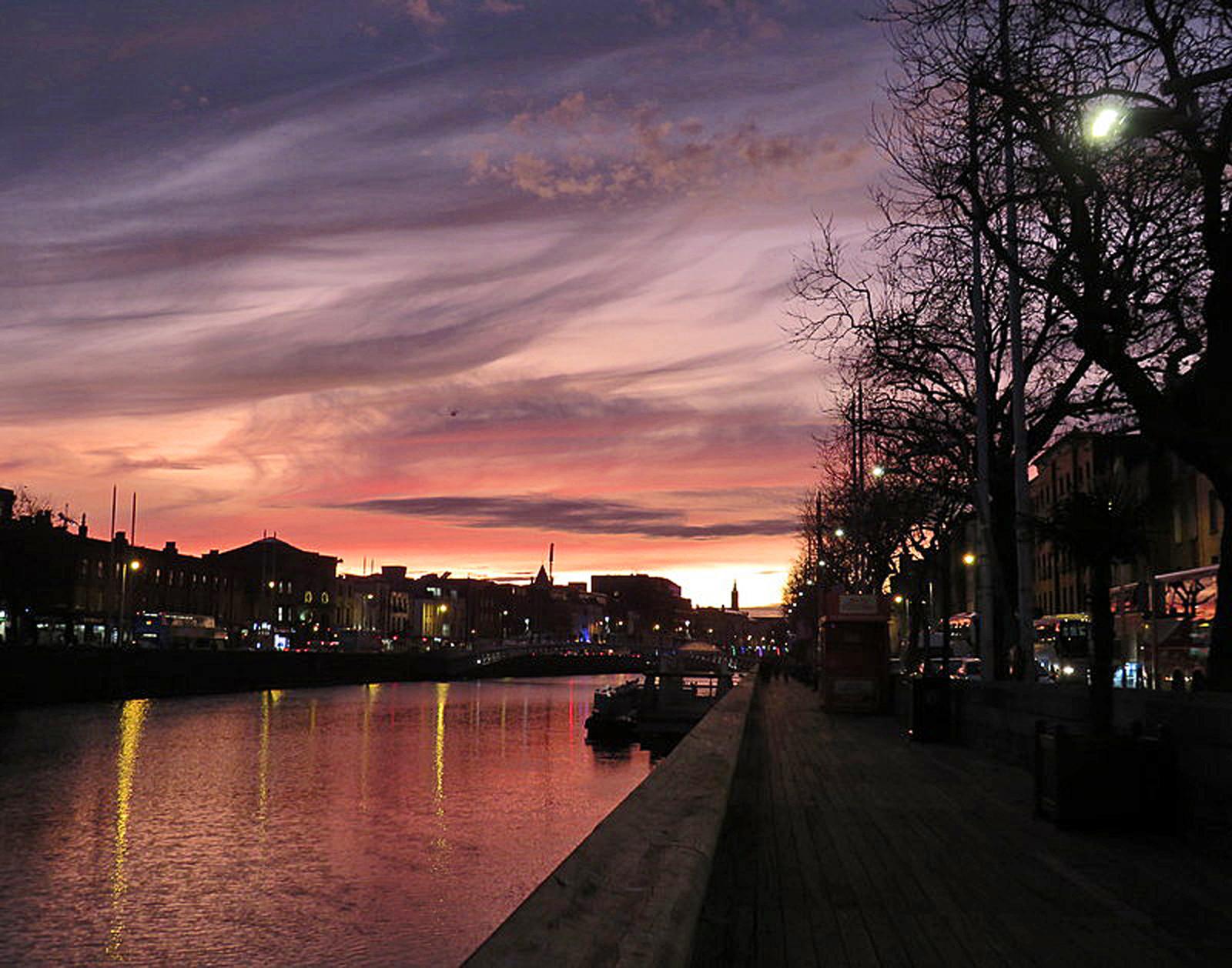 COLOUR - City Winter Sunset by Hilary Kingham (7 marks)