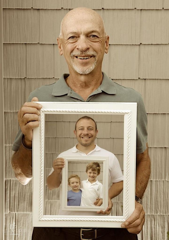 Pai, filho e netos em portas retrato