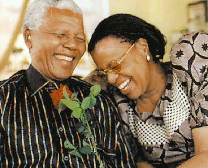 Nelson Mandela e Graça Simbine Machel