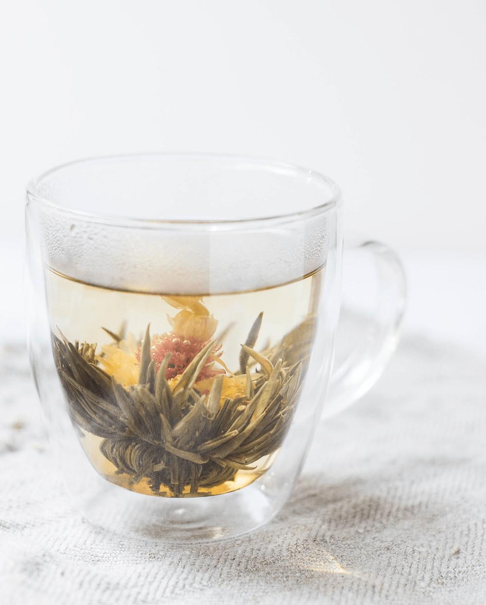 Bild einer warmen Tasse Tee.