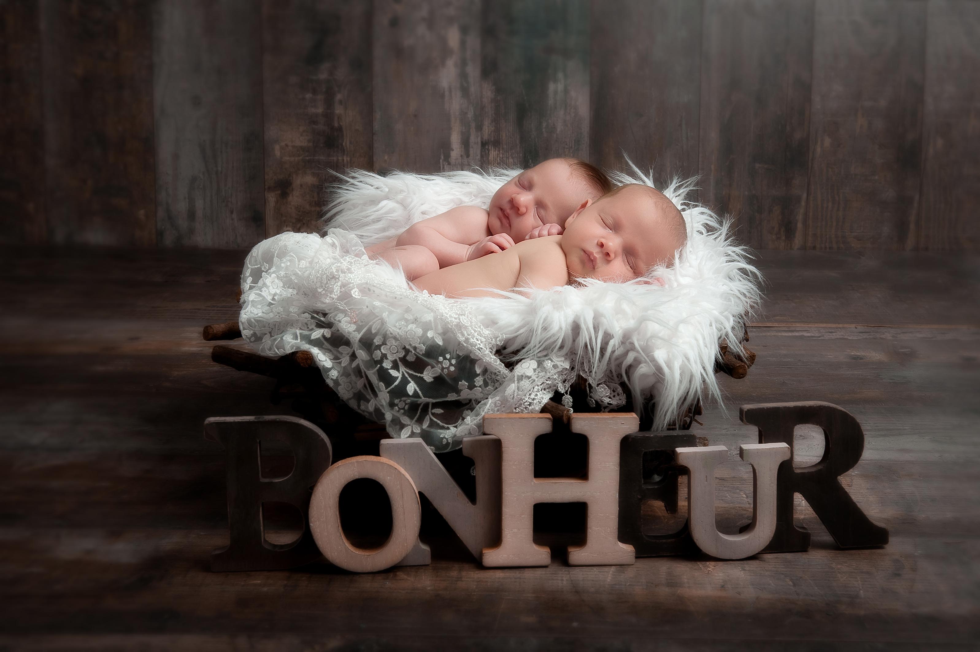 PHOTOGRAPHE NOUVEAU NE NAISSANCE ENFANT FAMILLE GROSSESSE (12)