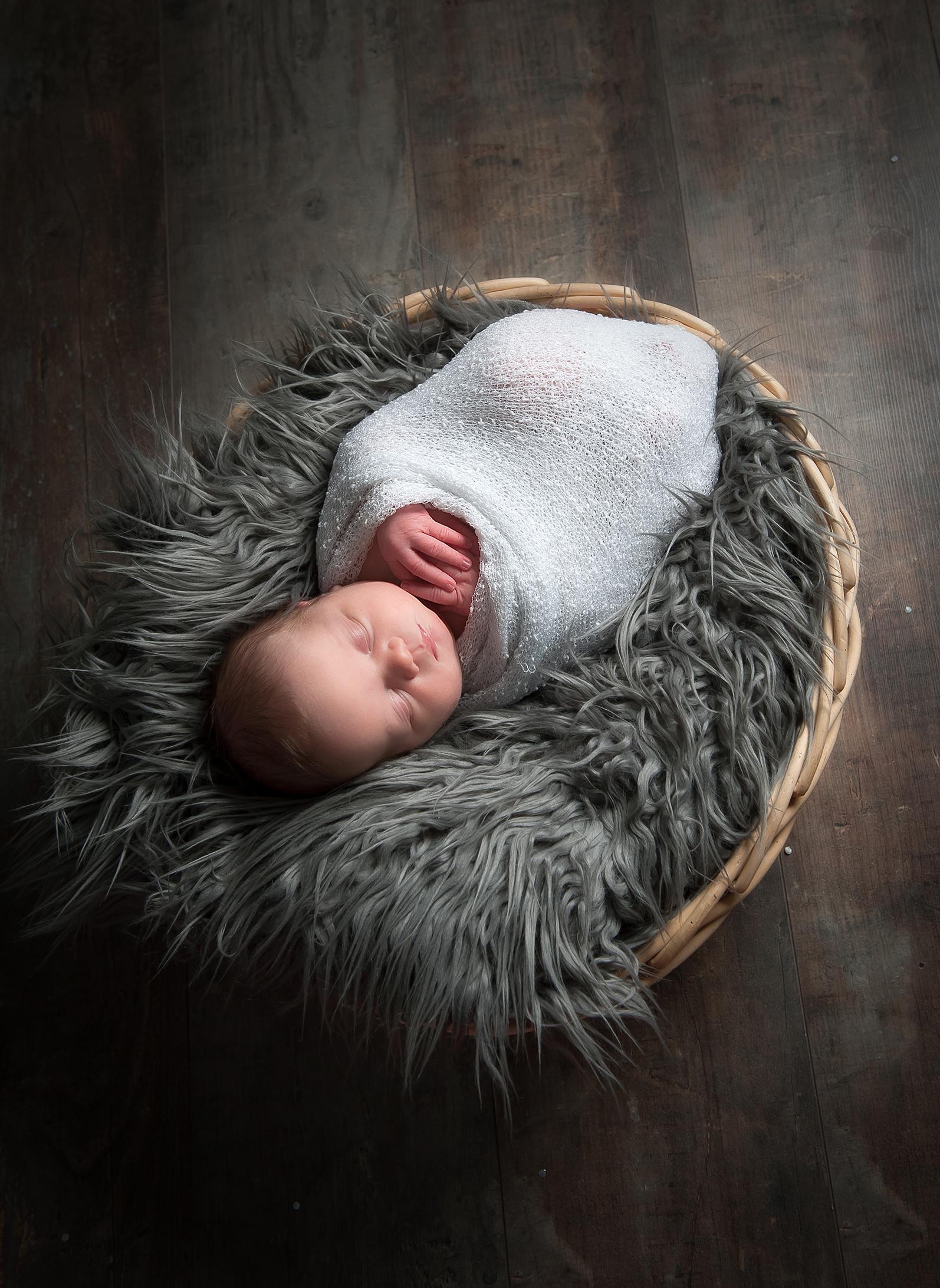 PHOTOGRAPHE NOUVEAU NE NAISSANCE ENFANT FAMILLE GROSSESSE (27)