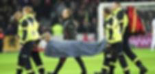 FFSS 59 Intervention sur le terrain sur un joueur du LOSC bléssé Grand Stade de Lille Métropole