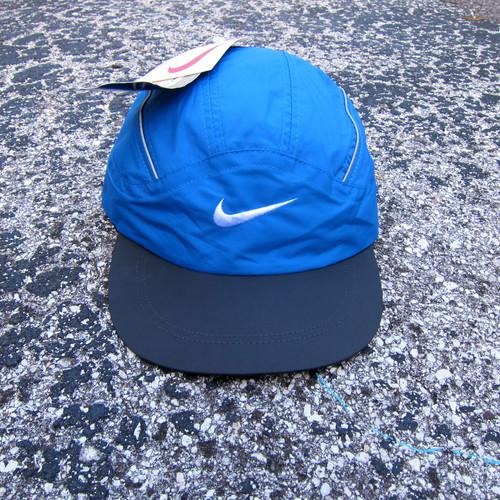 06c06c3f 90s Nike Royal & Black Tech Hat w/ Reflective Taping