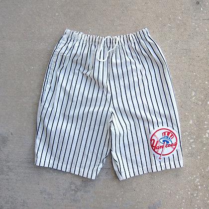 90s New York Yankees Chalk Line Baggy Shorts - M/L