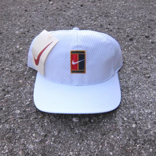 487dbe0c5aa 90s Nike Supreme Court White Mesh Snapback Hat