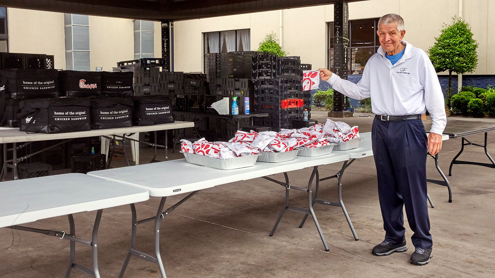 Hot meals for Houstonians in need during Covid 19