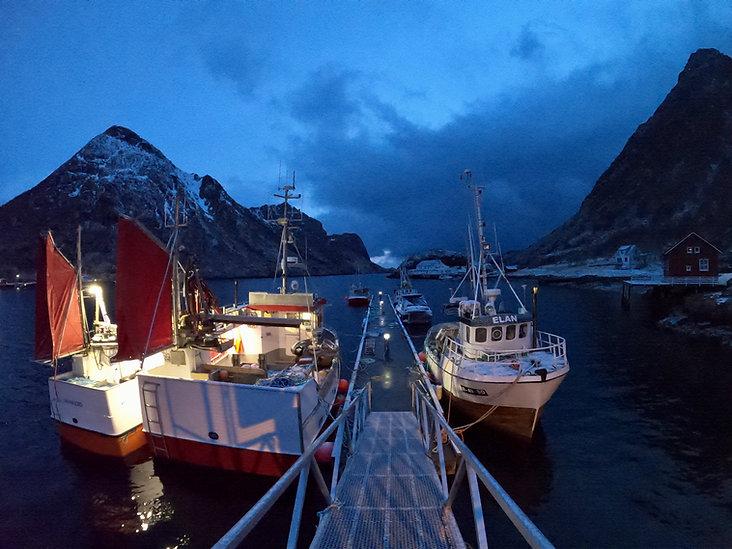 Kveldsbilde fiskebåt2.jpg