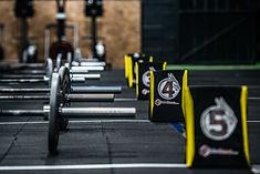 Rogue, barras olimpicas,  CrossFit, box, gimnasio, kids, sada, oleiros, coruña, miño, culleredo, abdominales, mucle up, ejercicio, halterofilia, remo, assault, galicia