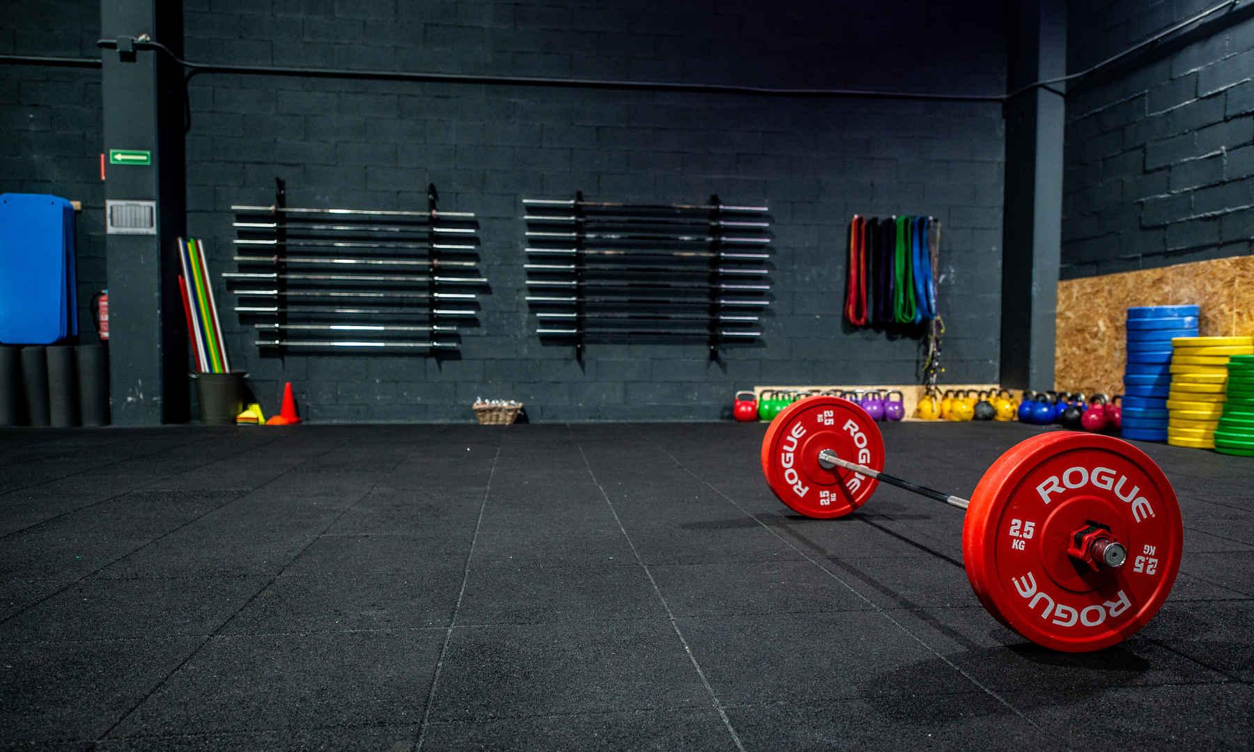 Barras olimpicas,  CrossFit, box, gimnasio, kids, sada, oleiros, coruña, miño, culleredo, abdominales, mucle up, ejercicio, halterofilia, remo, assault, galicia, betanzos, deporte, carrera, rogue