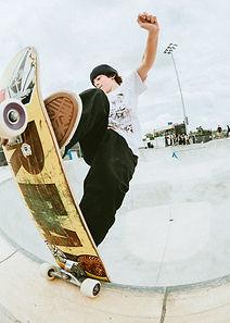 dew-tour-des-moines-2021-skateboard-park-8.jpg