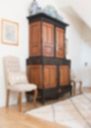 Jennie Schmid Design, Interior Design, Designer, Switzerland, Lausanne, Villa, Portfolio, hallway, Dutch colonial cabinet,selection of blue and white Chinese vases,pair of framed Chinese prints,pair of hand embroidered Moroccan pillows, Ben Ouarian carpet