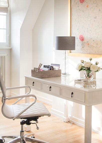 Jennie Schmid Design, Interior Design, Designer, Switzerland, Lausanne, Villa, Portfolio, home office, desk, stud, pink and white accents