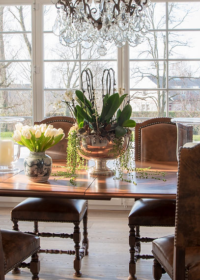 Jennie Schmid Design, Interior Design, Designer, Switzerland, Lausanne, Villa, Portfolio, dining room Antique table and chairs from France,red Chinese secrétaire, champagne glasses from Italy,set of four framed Chinese prints from Oak direct,chandelier from Eichholtz