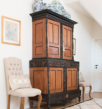 Jennie Schmid Design, Interior Design, Designer, Switzerland, Lausanne, Villa, Antique Dutch Colonial cabinet, Collection of blue and white Chinese vases, Pair of Chinese framed silk prints, Pair of linen covered chairs, Pair of hand embroidered silk Moroccan cushions, Ben Ourian carpet from Morocco