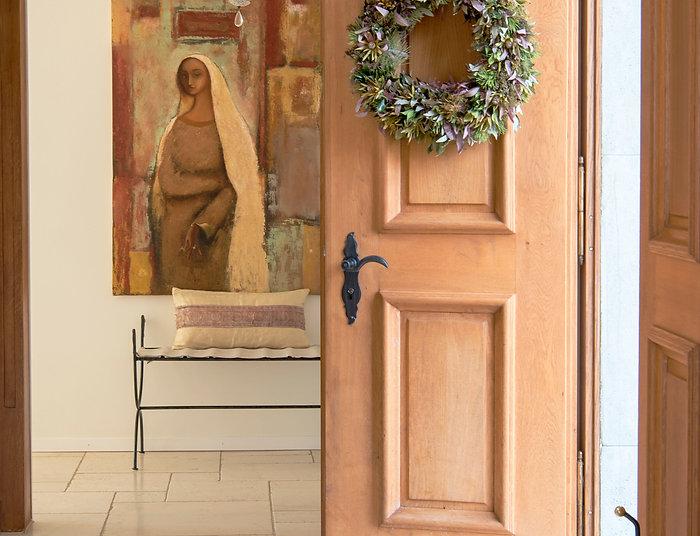 Jennie Schmid Design, Interior Design, Designer, Switzerland, Lausanne, Villa, Portfolio, entryway, Painting by Peter Elungat, forged iron bench